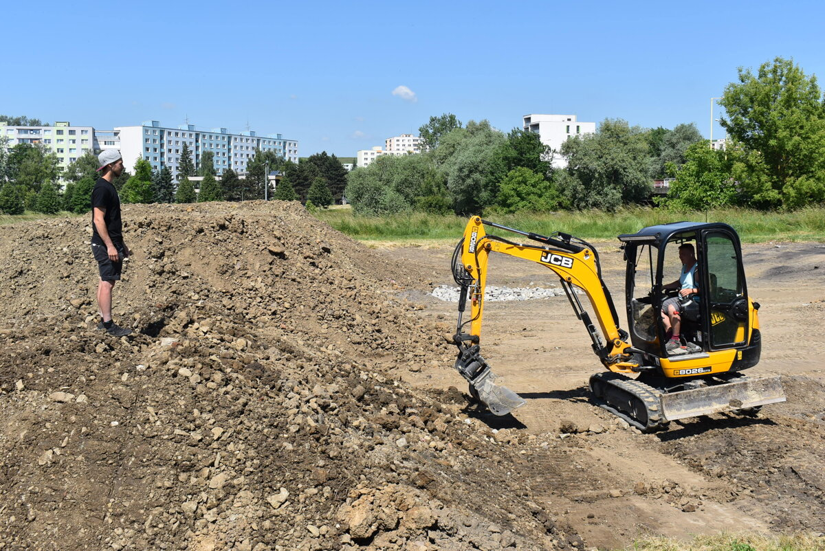 dirt-park-1.jpg